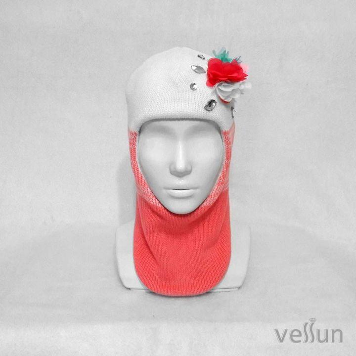 Шапка – шлем  для девочки «Романтика» заменит две вещи: шапку и шарф