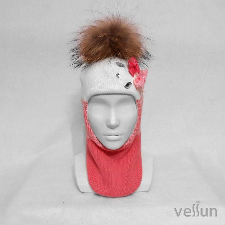 Шапка – шлем для девочки «БанРо» два в одном: шапка и шарф.